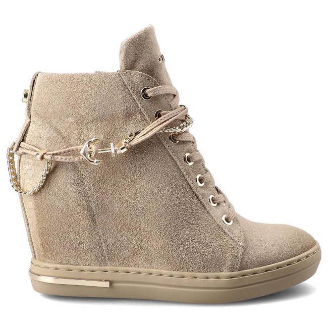Sneakersy CARINII